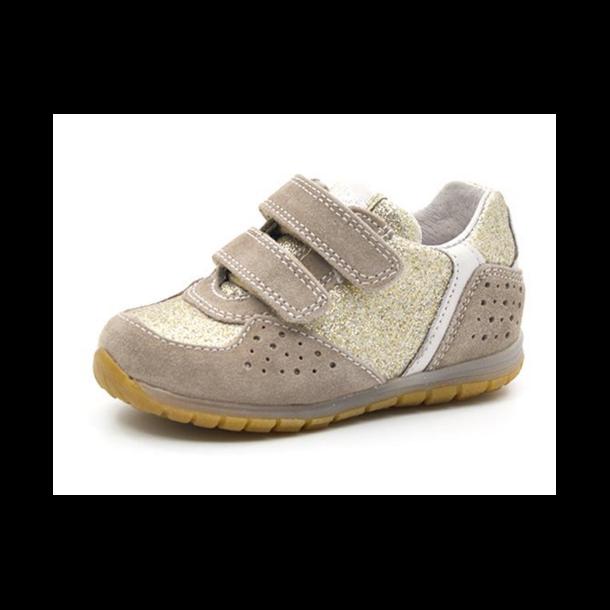 ceb90aae847 NATURINO - Sneakers i guld-beige. - Sko - Karl & Kalinka