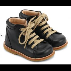 0cb8aac99a6 ANGULUS - Begynder sko med snøre i sort. Model 2361