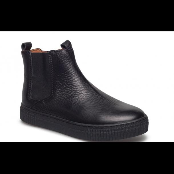 BISGAARD - Kort støvle i sort skind med lynlås i siden
