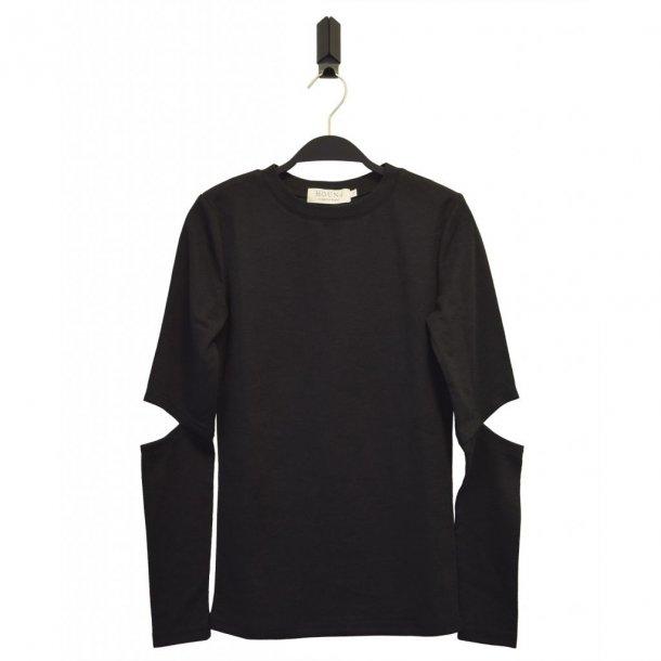 BY HOUND - Bluse med hul ved albue i sort..