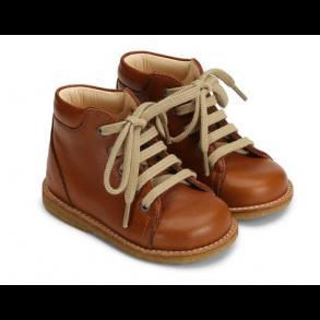 cd647877304a ANGULUS - Begynder sko med snøre i cognac