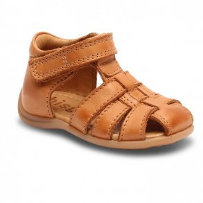 8aa61fd658d BISGAARD - Begynder sandal i cognac. Lukket