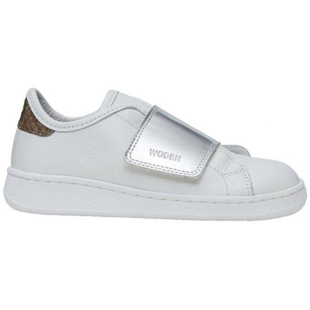 WODEN - Sneakers i hvidt skind med sølv. Wrap wonder metallic teen