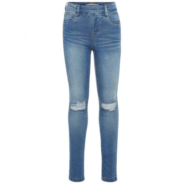 NAME IT - Jeans med hul på knæ i lys vask. Pige. 13154850..
