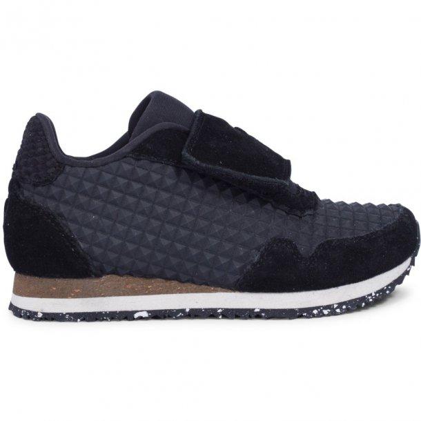 WODEN - Sneakers i sort gummi. Emil