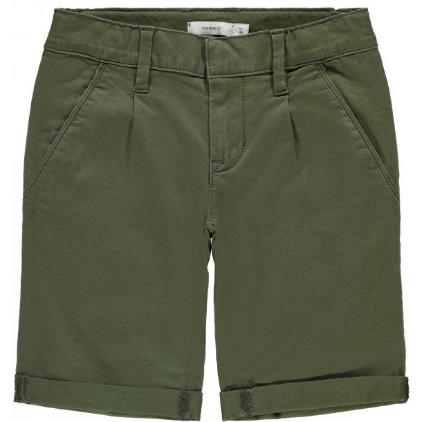 cda3ea9d NAME IT - Shorts chino i armygrøn - Shorts - Karl & Kalinka