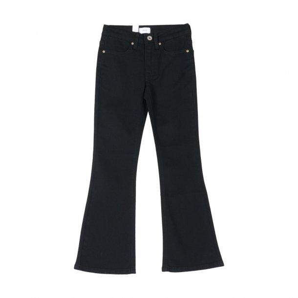GRUNT - Jeans i sorte med svaj. Flare
