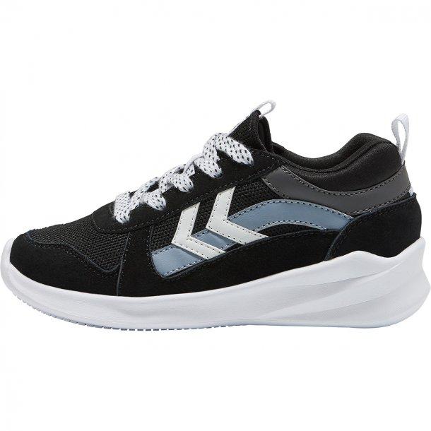 HUMMEL - Sneakers i sort med snøre. Bounce