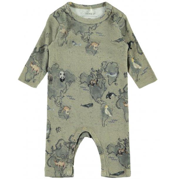 NAME IT - Babydragt i brun med dyr. Organic cotton